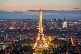 Украинские топ-чиновники в разгар эпидемии отправились в Париж