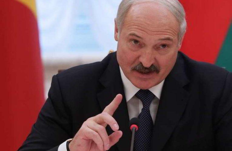 Лукашенко решил остаться править еще на один срок