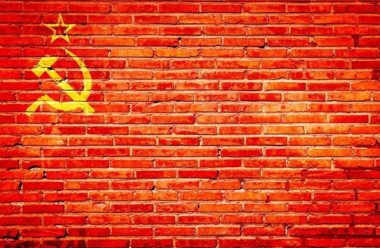 Стало известно, сколько  украинцев жалеют о распаде СССР