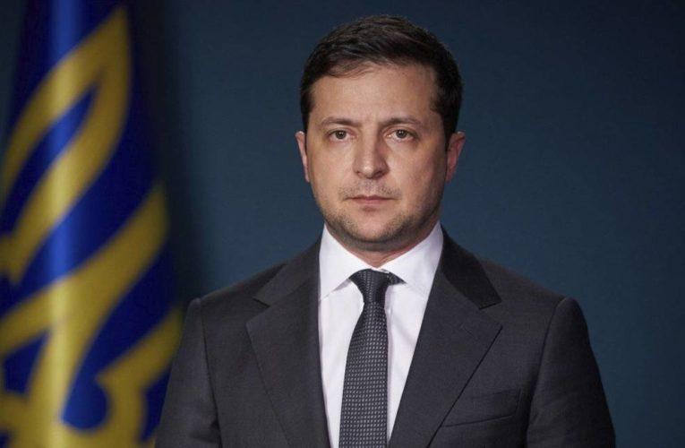 Зеленский пообещал МВФ заменить Смолия независимым технократом