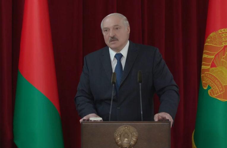 Лукашенко: опозиція спробує силовим шляхом захопити владу в Білорусі.