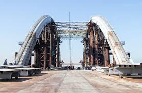 На строительстве Подольского моста похищено 80 миллионов гривен