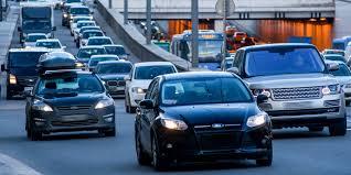 Руководство Офиса президента ездит на авто с номерами прикрытия
