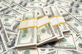 Доллар подскочил на межбанке на фоне негативных новостей