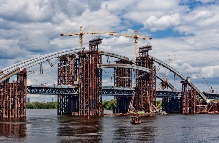 Аудиторы выявили крупные хищения на строительстве Подольского моста