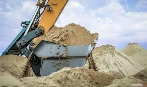 При попустительстве Кличко в Киеве нелегально добывают песок