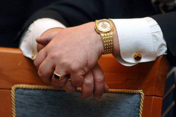 НАПК начало проверку деклараций топ-чиновников