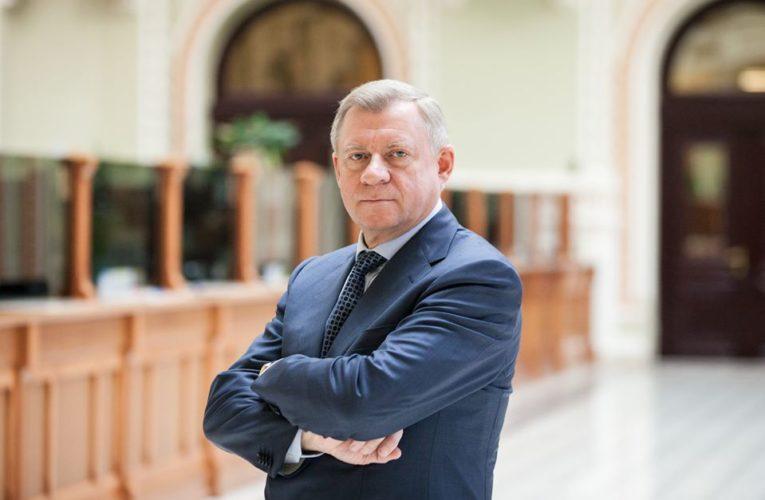 Голова НБУ подав у відставку через систематичний політичний тиск