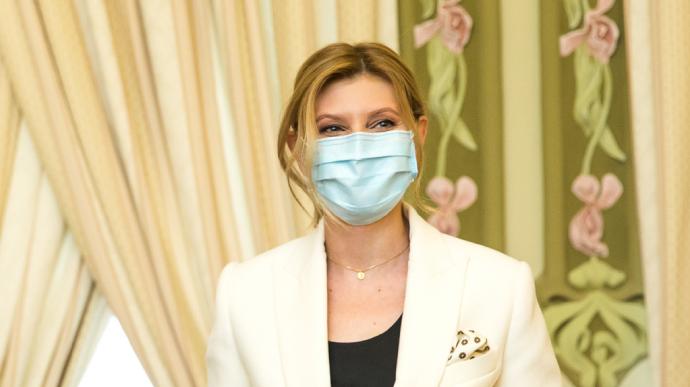 Олена Зеленська продовжує боротьбу з коронавірусом