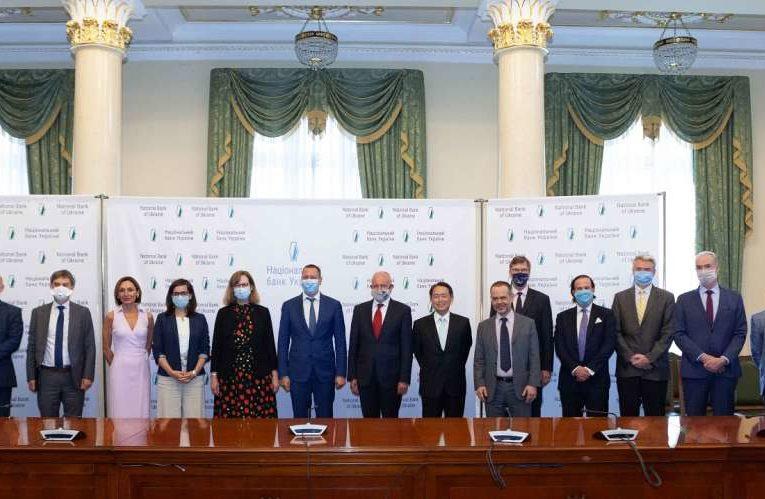 Новый глава НБУ провел первую встречу с послами G7