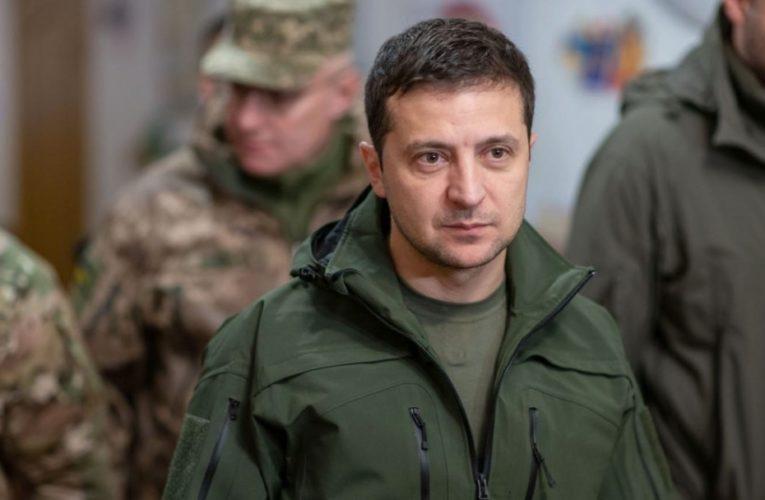 Зеленский ответил на требования Кремля о закреплении особого статуса Донбасса в Конституции