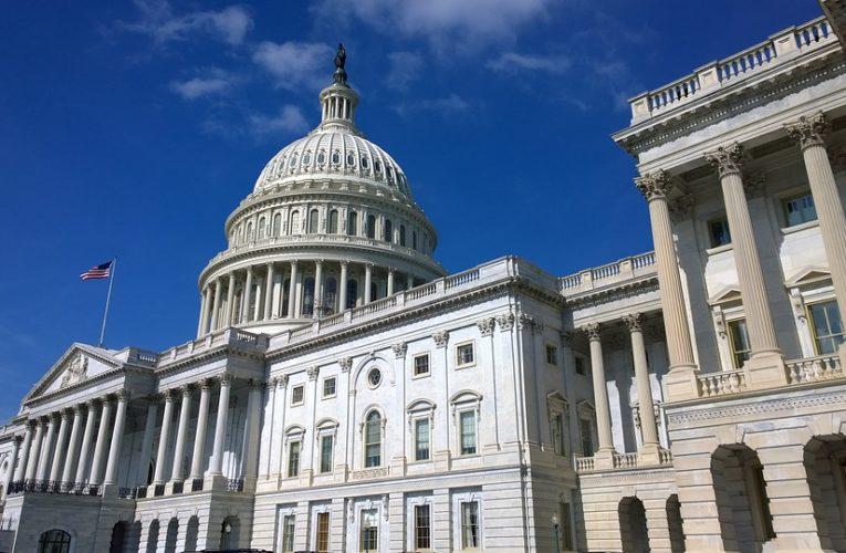 """Конгресс США утвердил санкции против российского """"Северного потока – 2"""""""
