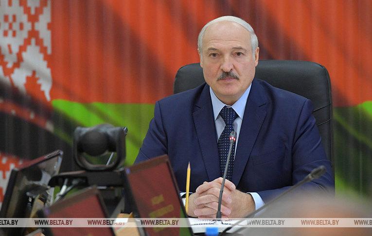 Лукашенко заявив, що гарантує нові вибори, але за умови