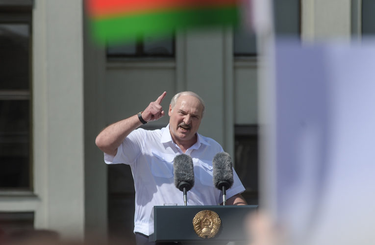 Ви що хочете, щоб ще і Росія відреагувала, — Лукашенко