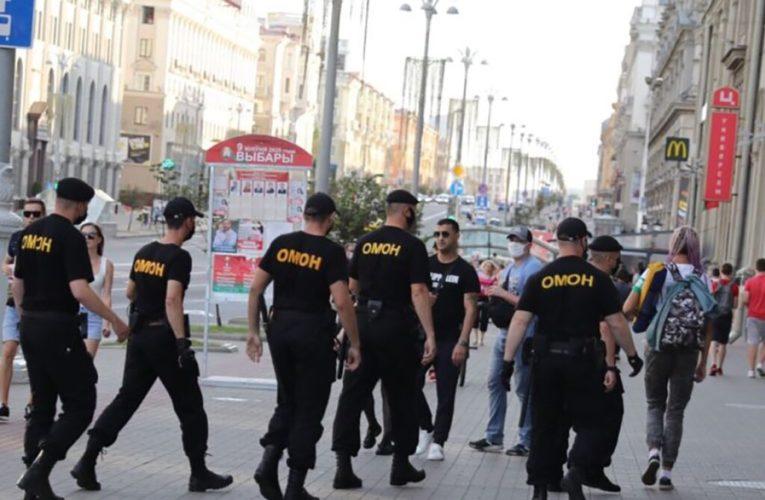 Подразделения силовых структур покинули Минск