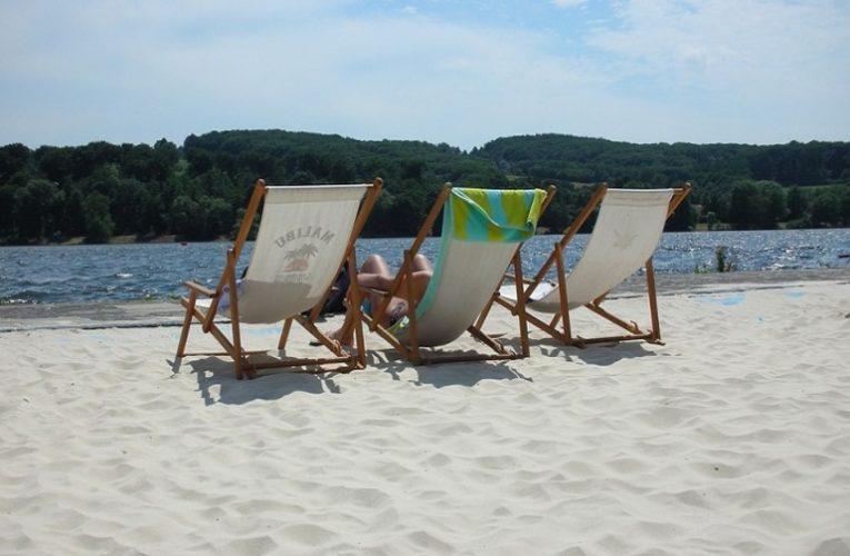 Специалисты назвали пляжи столицы, на которых запрещено купаться