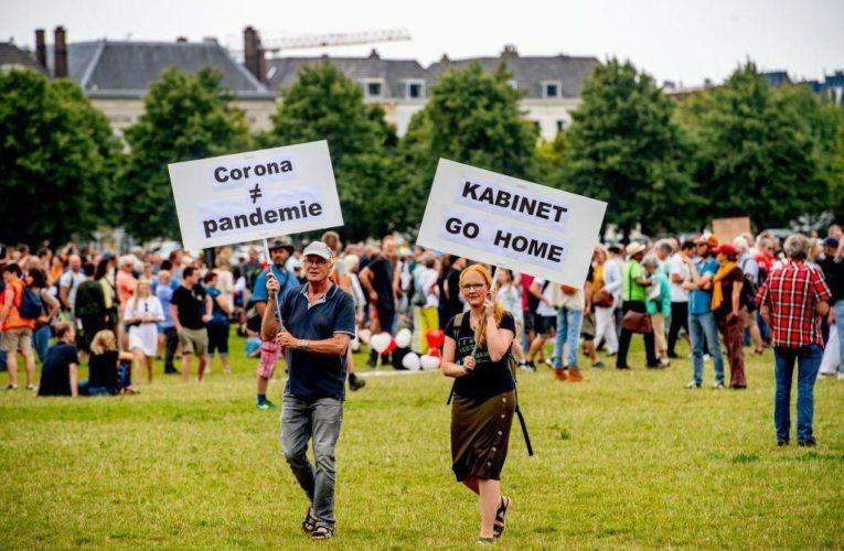 В Европе началась волна митингов против коронавирусного карантина (ФОТО)