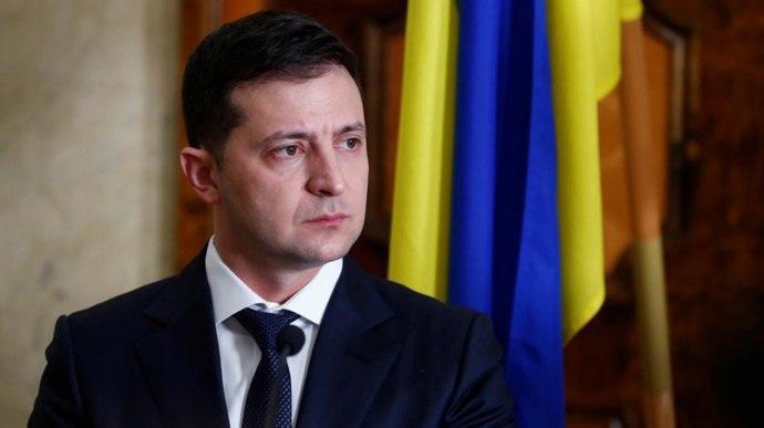 Зеленский инициировал увеличение минимальной зарплаты с сентября