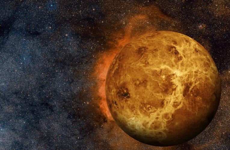 Вчені знайшли ознаки життя на Венері