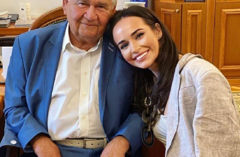 Внучка Витольда Фокина рассказала, как ее дедушка попал в ТКГ и читает ли он соцсети