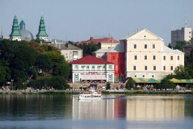 Тернопільу червоній, Київ у жовтій: в Україні оновили епідемічні зони