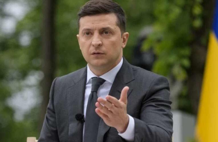 """Зеленский призвал """"всех своих"""" не бояться брать ответственность"""