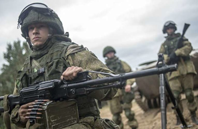 Оккупанты заблокировали водные подходы к Крыму в Азовском и Черном морях