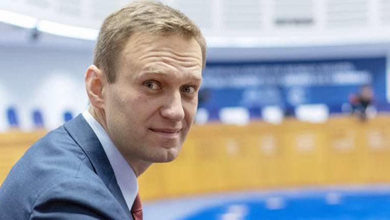 На квартиру  и счета российского оппозиционера Алексея Навального наложили арест