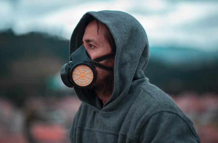 Медики выяснили, какая одежда защищает от коронавируса