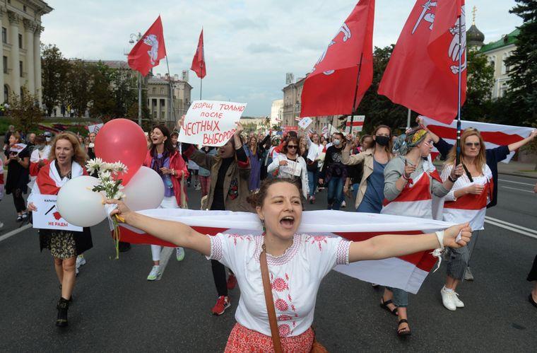 У Мінську пройшов черговий марш жінок