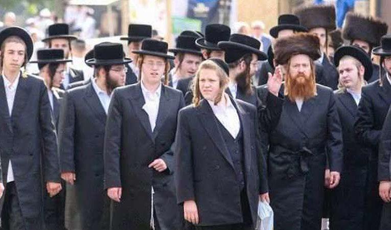 Израиль попросил Зеленского пропустить в Украину хасидов, застрявших на границе с Беларусью