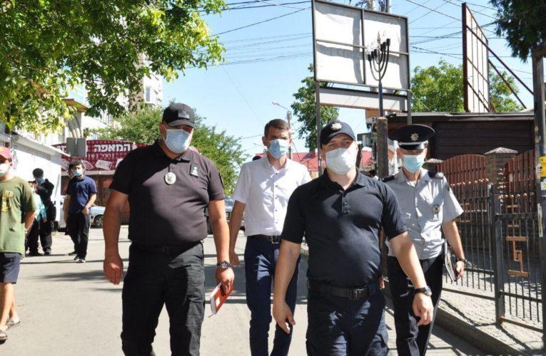 Черкасская полиция контролирует порядок и безопасность в Умани