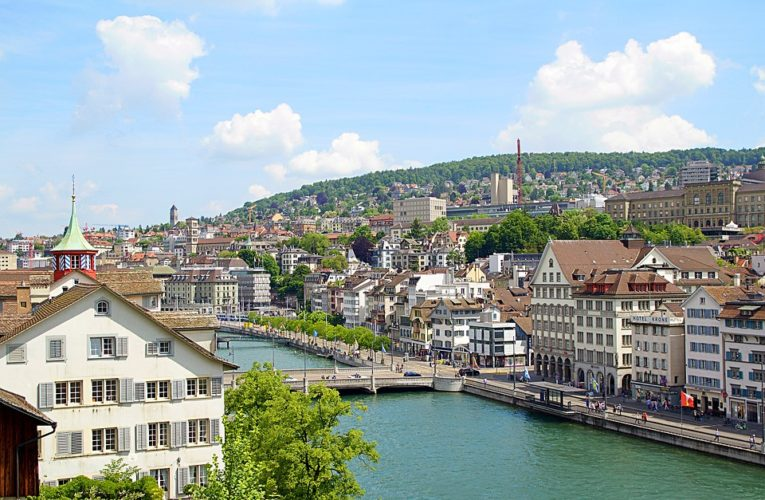 В Швейцарии прошел референдум об отмене свободного перемещения с Евросоюзом, известны результаты