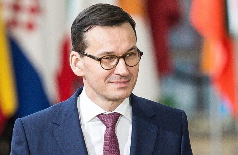 У Польщі посилюють масковий режим через різке зростання випадків COVID-19