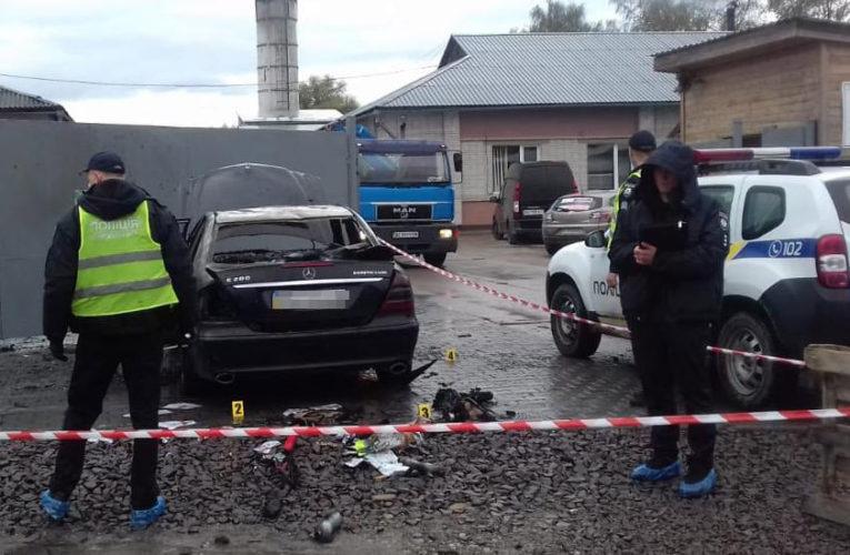 У Дрогобичі невідомий підпалив автомобіль кандидата на посаду голови ОТГ – поліція