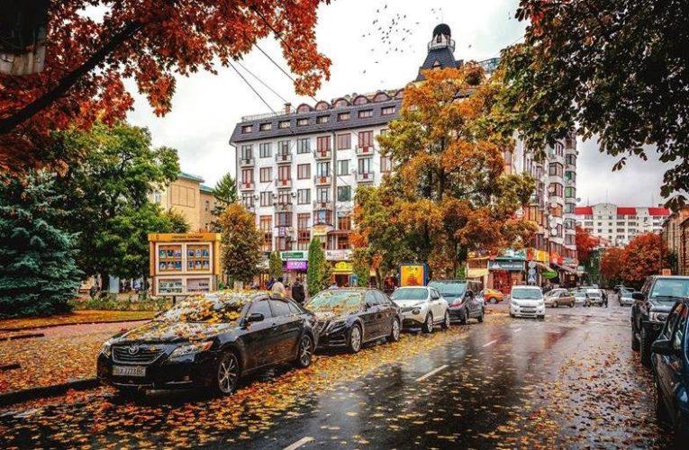 """ЄБРР підписав угоду про фінансування Хмельницького за програмою """"Зелені міста"""" на EUR36,5 млн"""