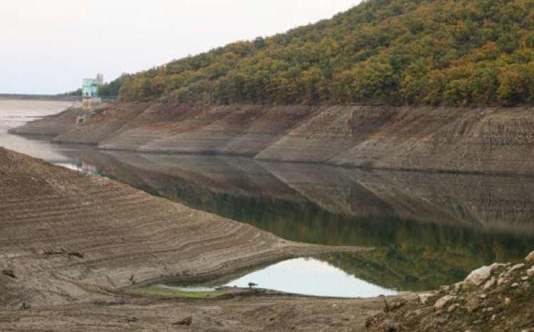 В Крыму продолжают стремительно высыхать водохранилища