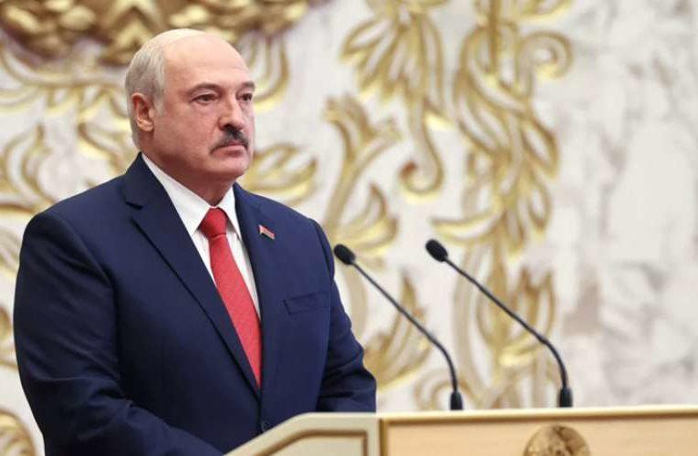 Александр Лукашенко передаст полномочия президента