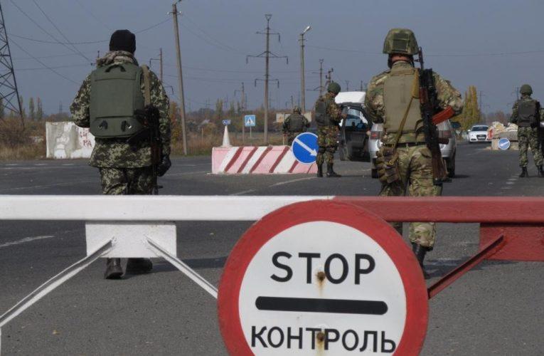 Блогер: Украина до сих пор держит Донбасс в блокаде, хотя РФ тратит сотни миллионов на помощь ему
