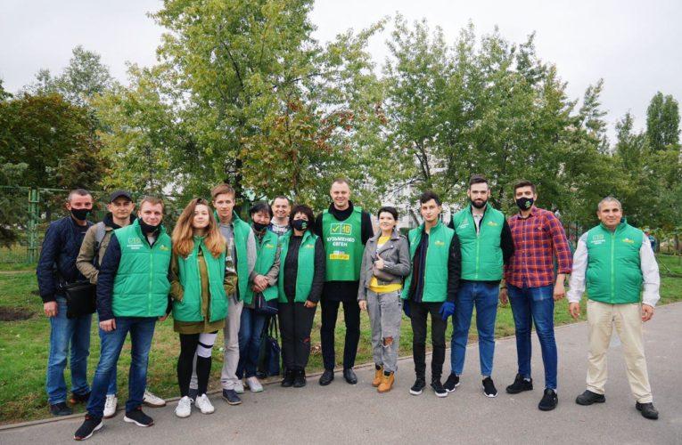 Євген Кузьменко та мешканці Оболоні повертають Києву славу найзеленішого міста