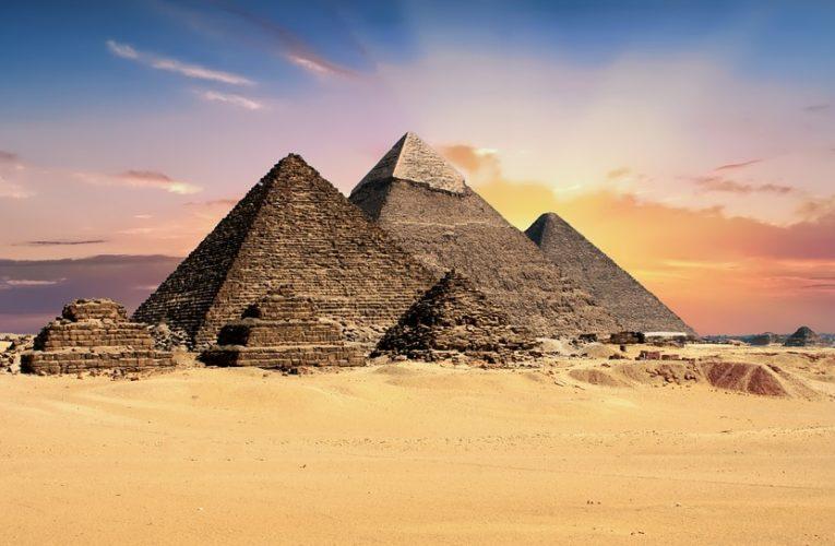 Ученые рассказали, как древние строители перемещали блоки при возведении пирамид