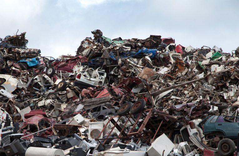 Городские власти закроют мусорный полигон под Киевом