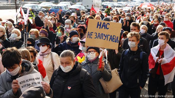 Бронетехніку стягують у центр Мінська напередодні несанкціонованої акції опозиції