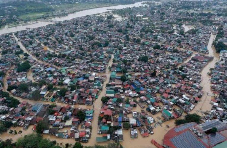Вьетнам эвакуирует почти полмиллиона населения из-за приближения мощного тайфуна