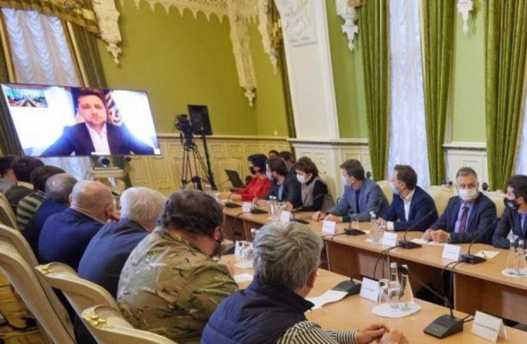 Зеленский провел встречу с участниками революций 1991, 2004, 2013-2014 годов