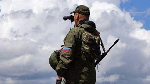 На Донбассе находятся более двух тысяч кадровых военных РФ