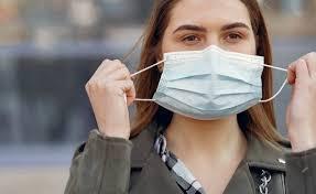 Появления вакцины от COVID-19 не избавит от ношения масок, — главный инфекционист США