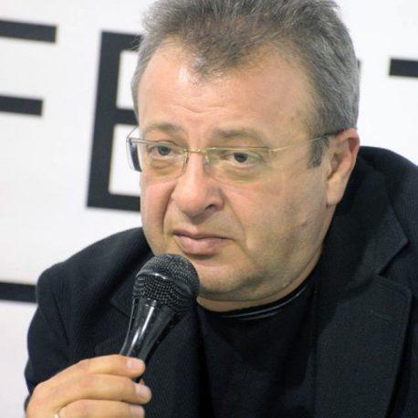 После Зеленского к власти может прийти Медведчук, — Валетов