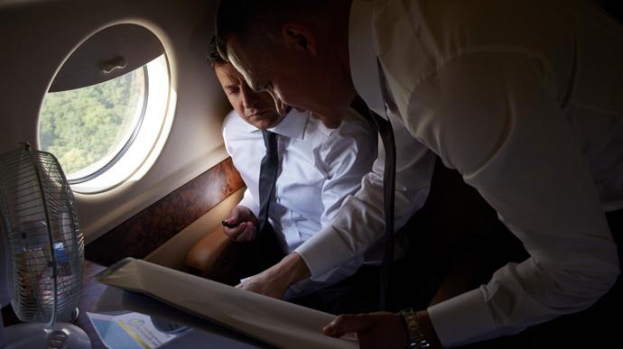 У президентському літаку покращать супутниковий зв'язок за 32 млн