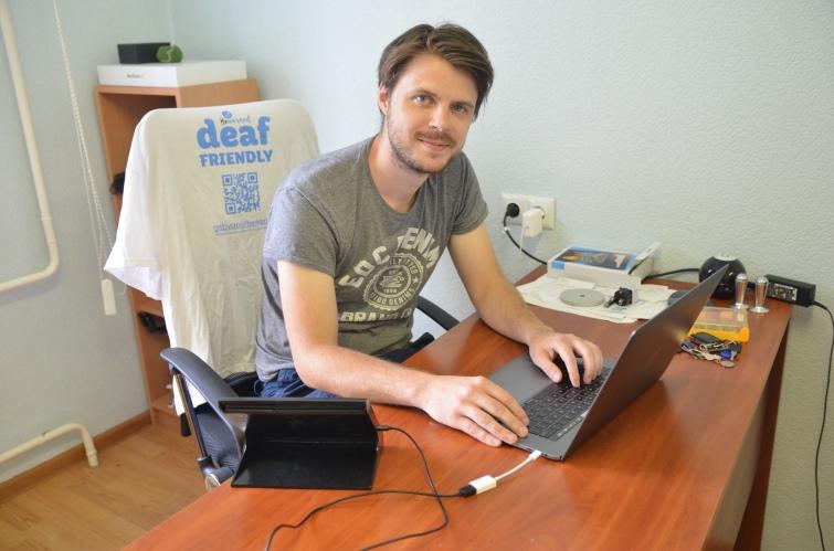 Українець створив найсучасніші мобільні додатки для нечуючих та слабочуючих